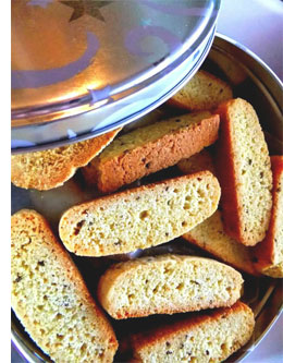 Personalized handmade gifts: Biscotti in a tin